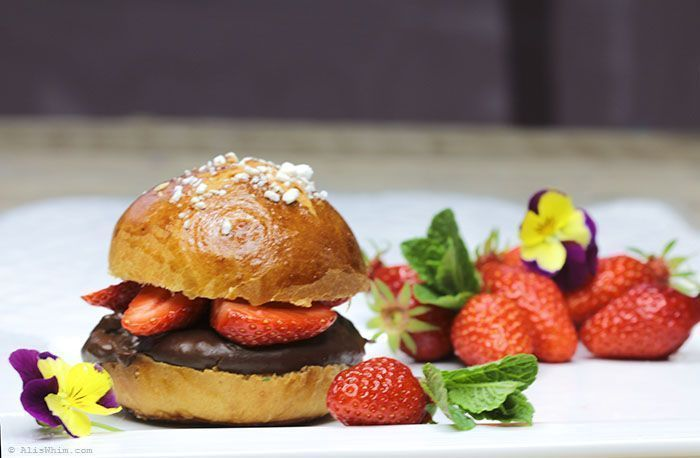 brioche with chocolate and strawberries